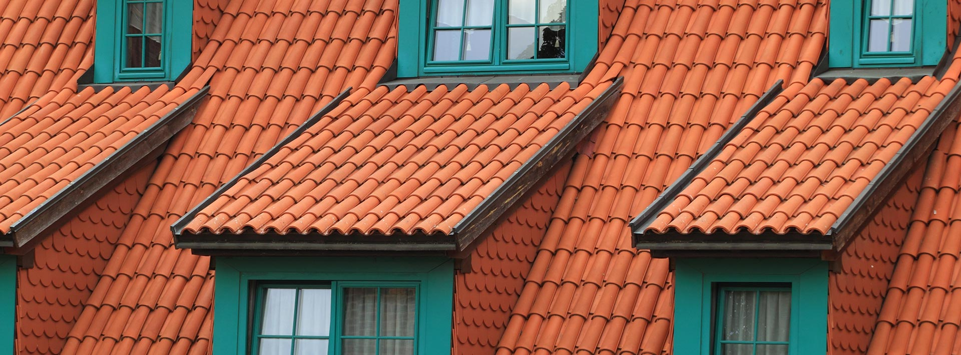 What are the advantages of a tiled roof?